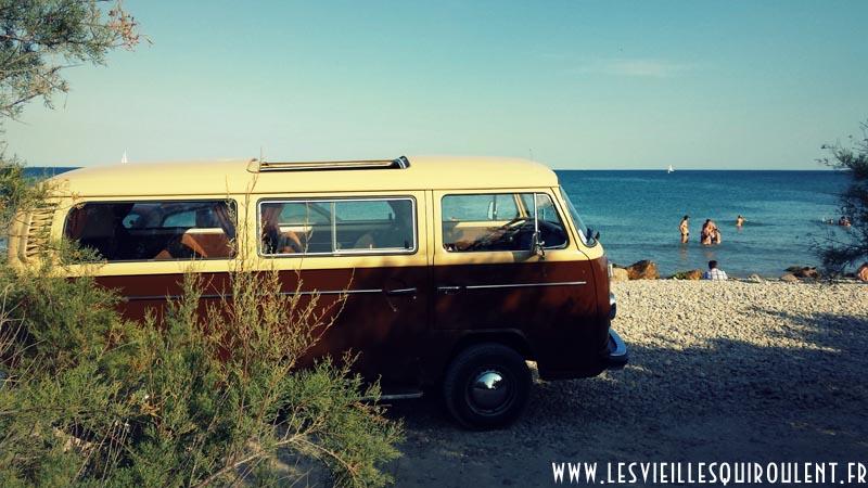 En combi VW ou en 2CV… Gardez la tête en vacances !